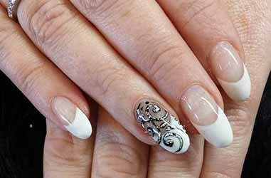 deco-ongle-gel-french.jpg