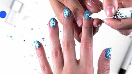 deco-ongles-bleu.jpg