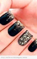 deco-ongles-noir-et-dore.jpg