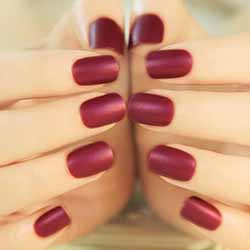 faux-ongles-couleur.jpg