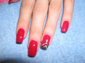 faux-ongles-gel-rouge.jpg
