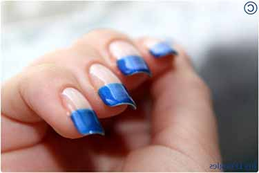 french-manucure-bleue.jpg