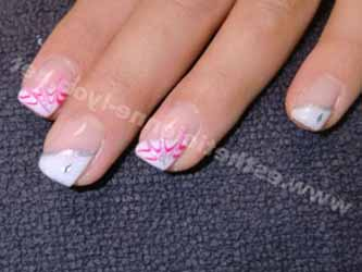 idee-deco-ongle-french-blanche.jpg