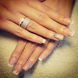 idee-ongles-french.jpg