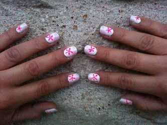 manucure-rose-et-blanche.jpg