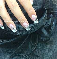 model-faux-ongles-gel.jpg