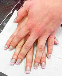 model-ongle-french.jpg