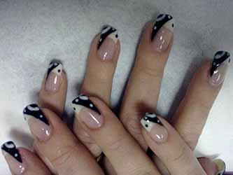 modele ongle noir et blanc , deco,ongle.fr