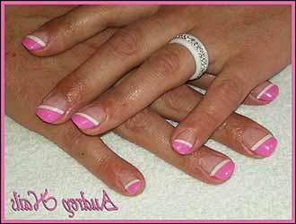 ongle-blanc-et-rose.jpg