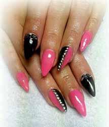 ongle en gel noir et rose