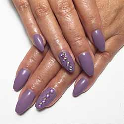 ongle-en-gel-violet.jpg