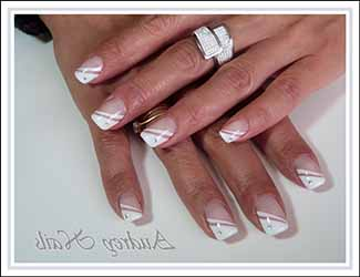 ongle-french-strass.jpg