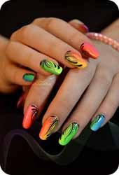 Decoration ongle fluo