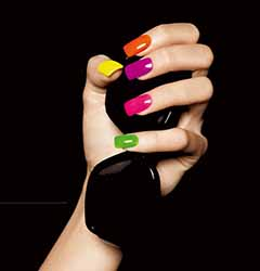 ongle-plusieurs-couleurs.jpg