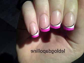 ongle-rose-et-blanc.jpg