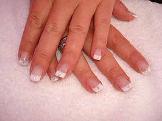 ongles-avec-french-blanche.jpg
