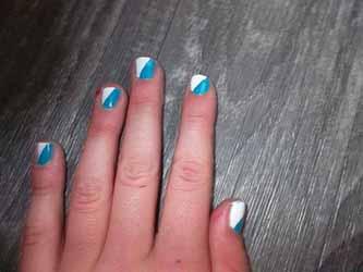 ongles-bleu-et-blanc.jpg